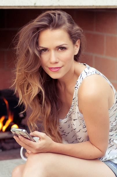 One Tree Hill - Bethany Joy Lenz Beautiful hair on a gorgeous lady!