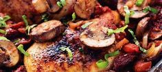Een snel, makkelijk en overheerlijk 30 minuten maal boordevol smaak. Sappige kip, zon gedroogde tomaatjes, champignons, geroosterde tomaten, uien en knoflook...