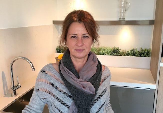 """Katalin Juhasz, keukenadviseur  """"Uw steun en toeverlaat voor de aanschaf van uw droomkeuken""""   #katalinjuhasz #keukenstudiomaassluis #keukenadviseur"""