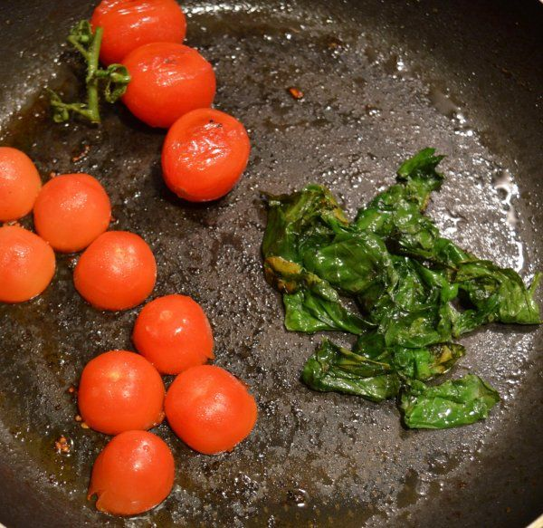 some spinach & cherry tomato