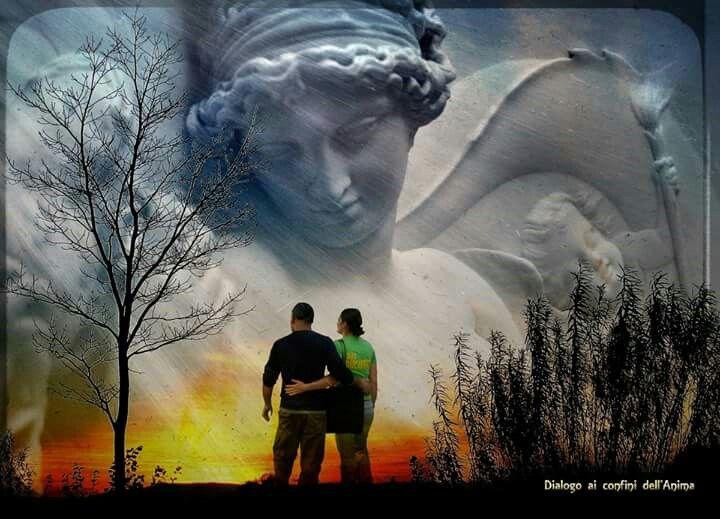 Prima della nascita, l'anima di ciascuno di noi sceglie un'immagine o disegno che poi vivremo sulla terra, e riceve un compagno che ci guidi quassù, un Angelo, che è unico e tipico nostro.   Tuttavia, nel venire al mondo, ci dimentichiamo tutto questo e crediamo di esserci venuti vuoti. È l'Angelo che ricorda il contenuto della nostra immagine, gli elementi del disegno prescelto, è lui dunque il portatore del nostro destino. James Hilmann  http://www.aiconfinidellanima.com/