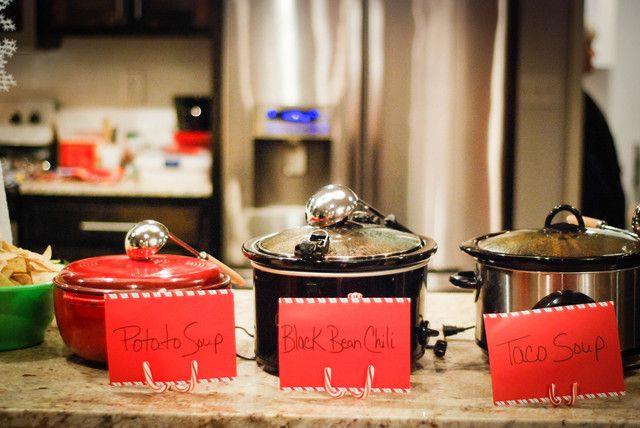 Christmas holiday party ideas soup bar chili and vegetables for Food bar 527