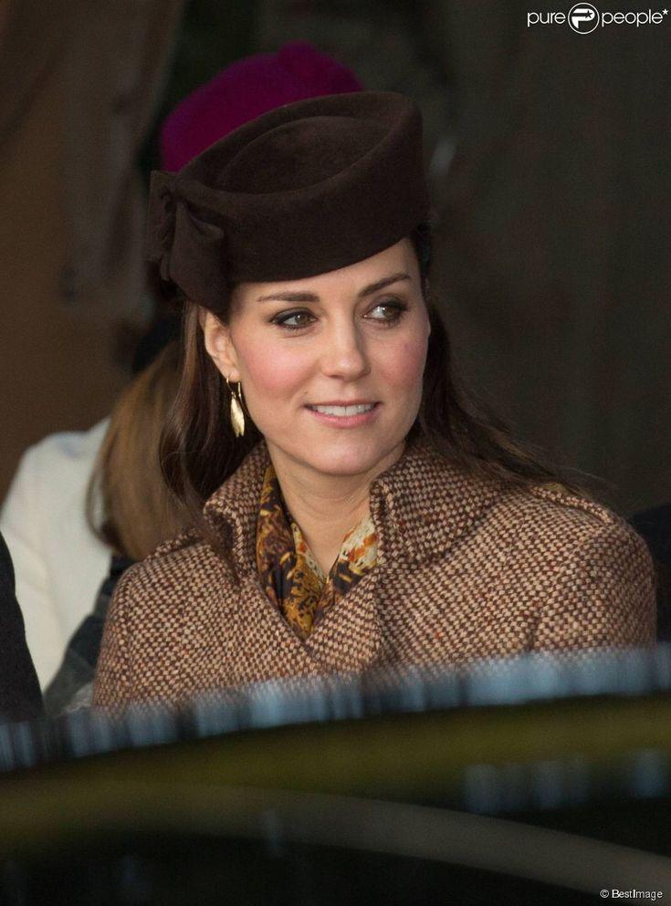 Kate Middleton, duchesse de Cambridge, enceinte, lors de la messe de Noël à laquelle assistait la...