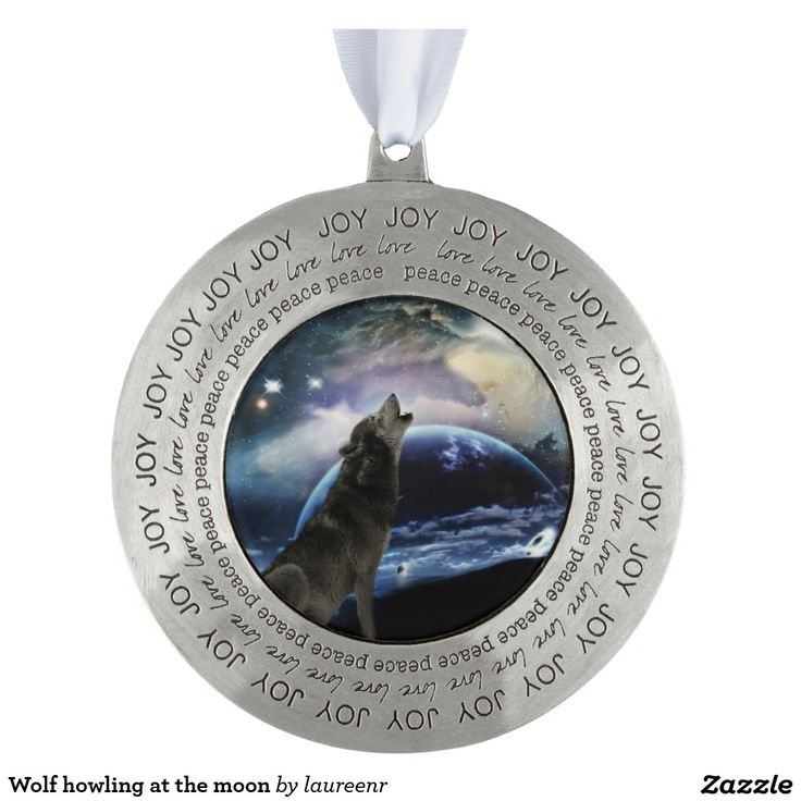 Wolf howling at the moon round pewter love ornament