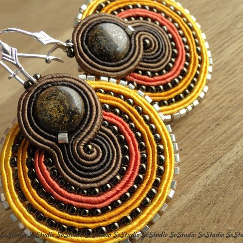 Sol soutache earrings por BeadsNSoutache en Etsy