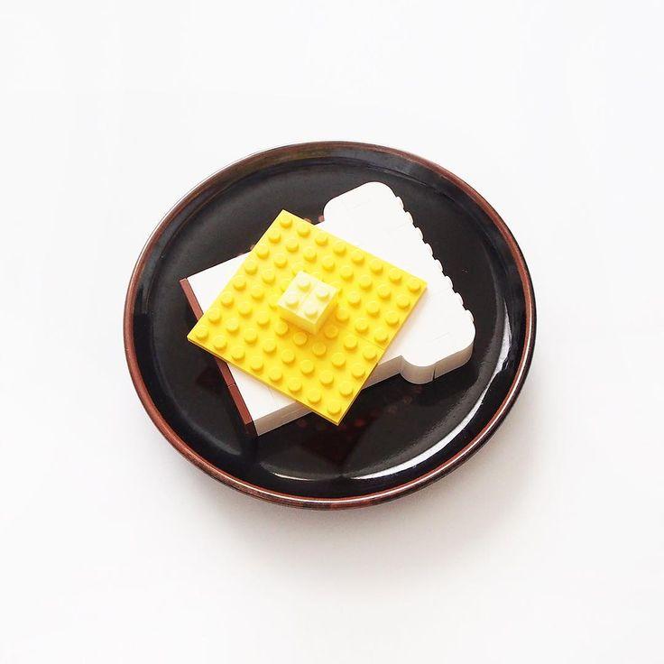 イギリス食パンにチーズとバター/cheese and butter on the bread #自作レゴ #レゴ #legostagram #lego #legophotography #legobricks #bread #butter #食パン #イギリス食パン #トースト #