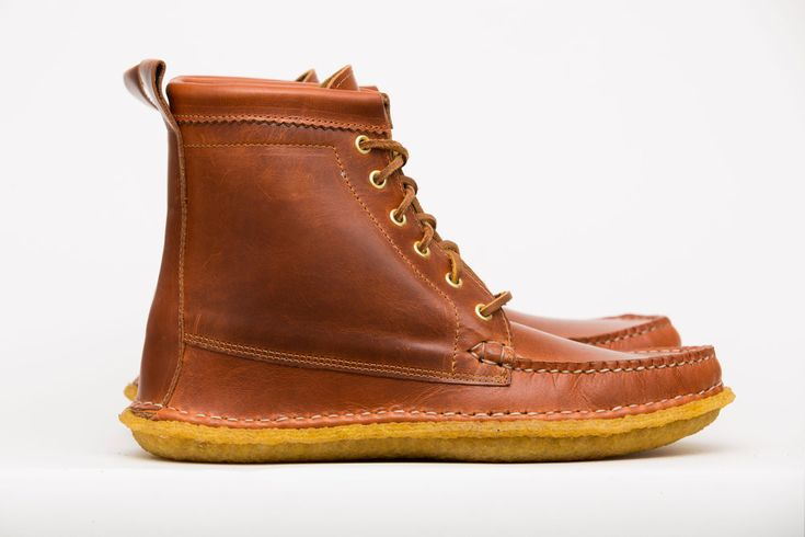 Maine Moccasin - Mohawk Trail Boot Crepe Tan Cavalier