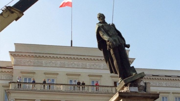 Pologne : les monuments à la gloire de l'Armée rouge mis au placard  LA POLOGNE NUMERO UN DES VASSAUX OCCIDENTAUX