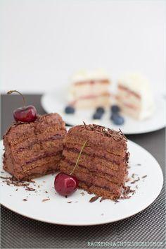 Biskuittoertchen mit Schokoladensahne