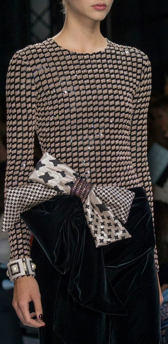 Armani Prive Fashion show & more details                                                                                                                                                                                 More
