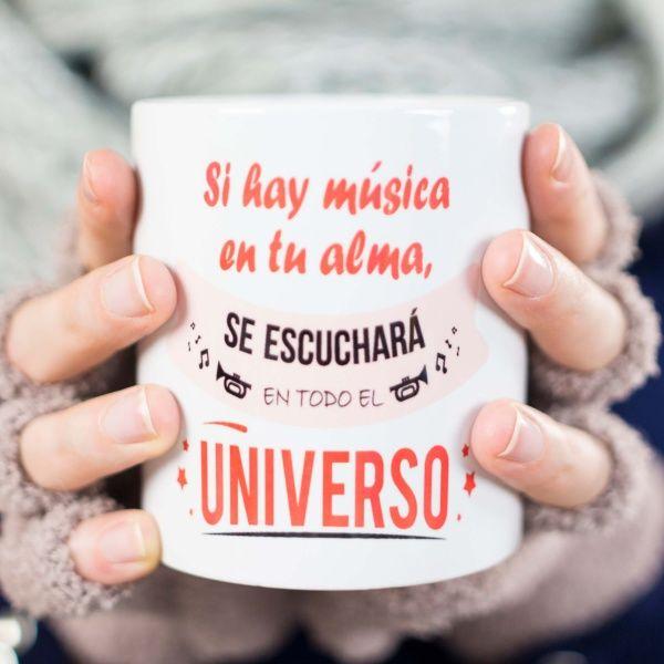 Taza decorada con mensaje de música en tu alma