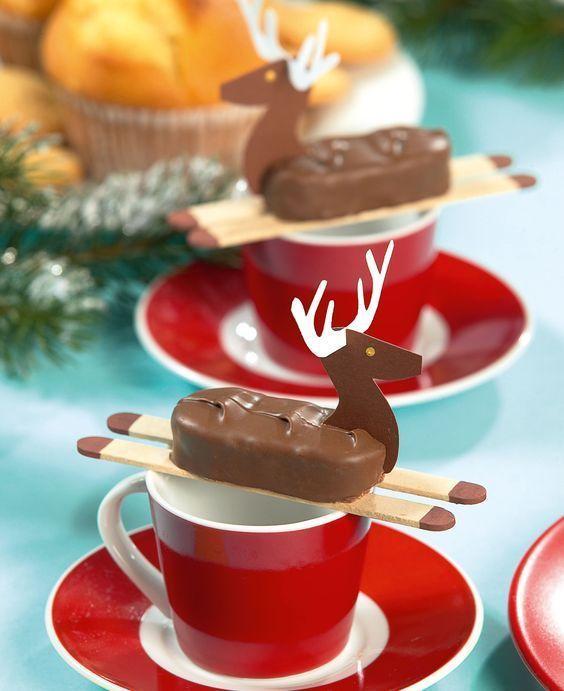 Festliche Tischdeko zum Selbermachen. Springende Schoko-Hirsche – #festliche #Sc…