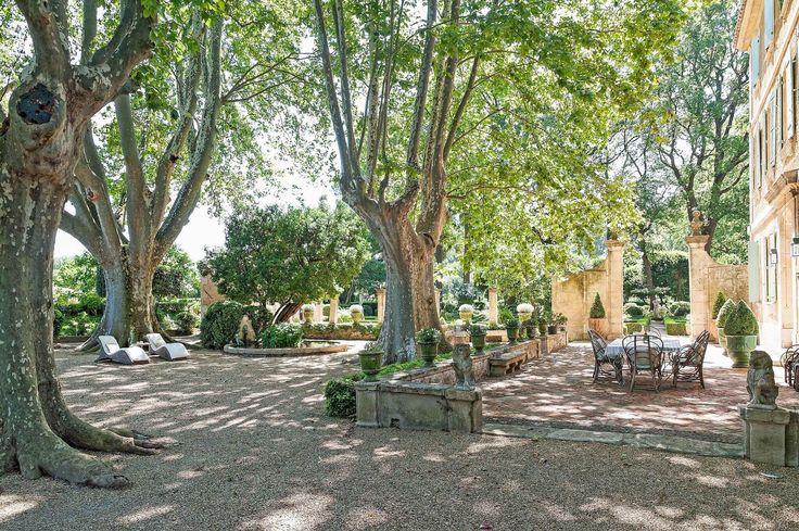 Fontvieille provence wedding