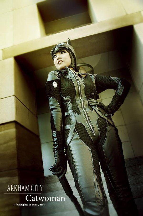 Arkham City Robbing the Safe by camilliette.deviantart.com on @deviantART & 15 best Catwoman (Arkham City) images on Pinterest | Catwoman ...