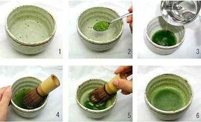 Matcha Latte - Batido de leche con té verde   Ingredientes: 1 cucharadita y 1/2 de té verde en polvo matcha 2-3 cucharadas de agua caliente 1 cucharadita de azúcar 1 taza de leche (animal o vegetal)