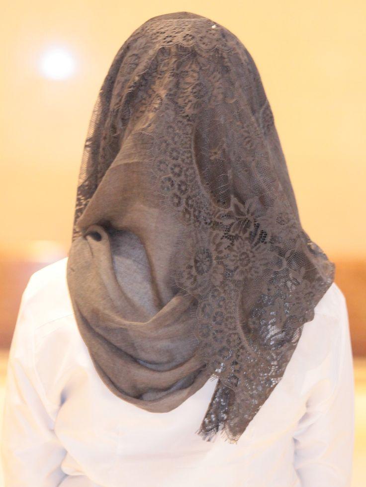 Gray elegant Edge-Lace Hijab