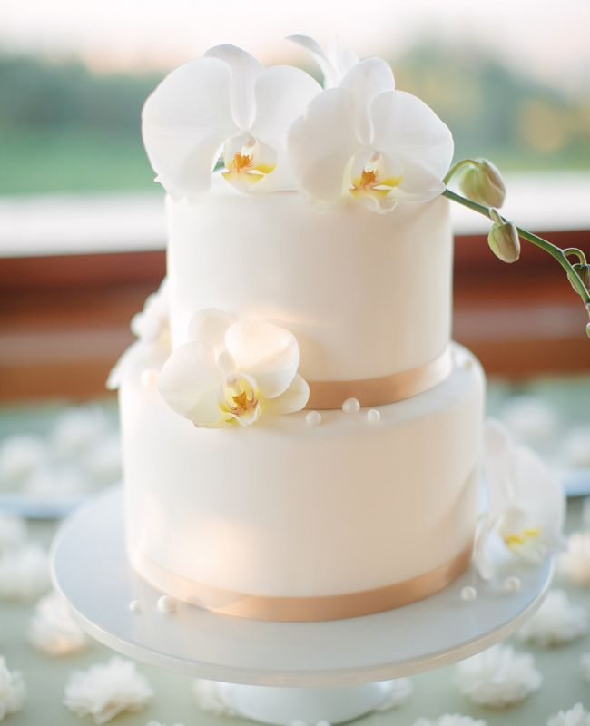 Absolutely Stunning Simple Orchid Topped Cake with Pearl Embellishments