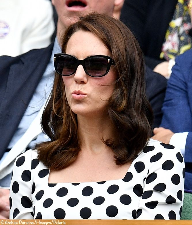 The Duchess was not in her usual Ray Bans sunglasses. Instead, she sported the Bulgari Cat's Eye style in black. From Smart Buy Glasses ($218.95); from Amazon ($183); from Otto ($210). Source: Irish Sara on Twitter for ID. ©Andrew Parsons / i-Images / Polaris