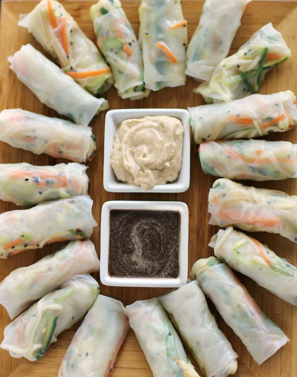 Fresh Spring Rolls with Apricot Dipping Sauce | http://www.worthcooking.net/fresh-spring-rolls-apricot-dipping-sauce/