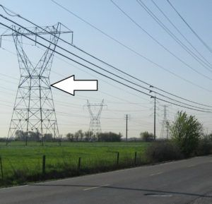 Fence Grounding Under Transmission Lines