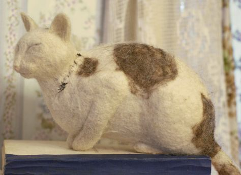 One of the best needle felting tutorials I've read. Lots of solid fundamental information.
