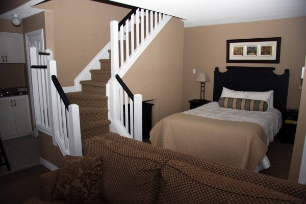 A renovated and perfectly situated studio loft condo at Mountain Springs Resort