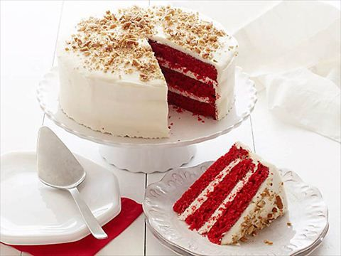 Good tips for velvet cake. Also recipe for traditional cream cheese icing