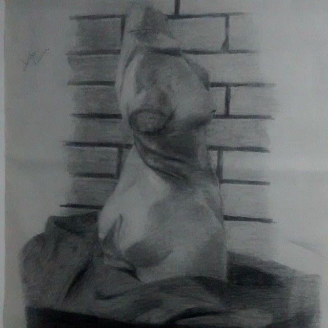Exposición de mis trabajos de dibujo #exposición #luminouspirit  #dibujo #pintura #painting #figurahumana #face #rostro #drawing #charcoal #luminouspirit #dibujo  #proporciones #sombras #shadows