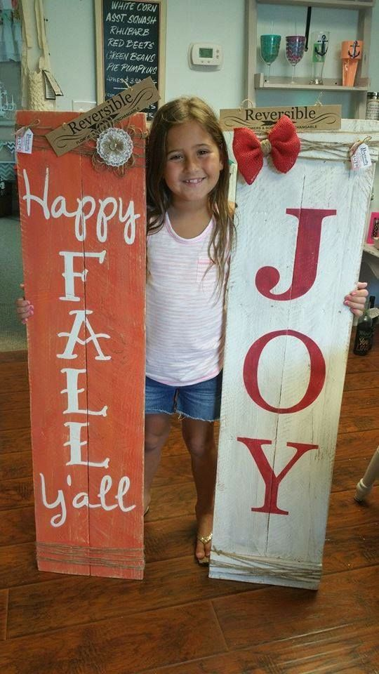 reversible porch sign.. two seasons/holidays in one.... and prfetc to prob…