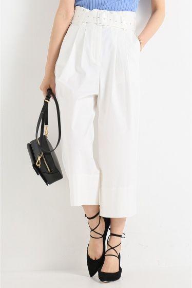 TIBI ウエストベルト ワイドパンツ  TIBI ウエストベルト ワイドパンツ 54000 ハイウエストのベルト付きパンツ Tシャツをインして着るのがお勧めです TIBI(ティビ) ブランドコンセプトは身にまとうだけで女性が自身に溢れ輝く服 女性の美しさ強さを引き出す大胆なカッティングや配色プリントデザインが素晴らしく 初参加のNYコレクションでは群を抜くハイクオリティーなデザインが多くのファンを作りあっという間に人気高級ブランドとなりました モデルサイズ:身長:166cm バスト:80cm ウェスト:58cm ヒップ:82cm 着用サイズ:S
