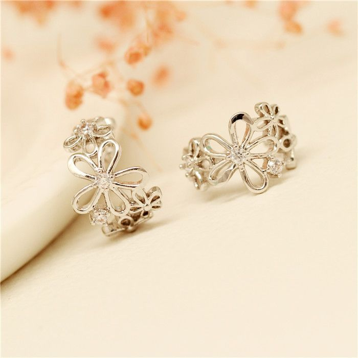 E084 Korea crystal imitation pearl ear clip earrings earrings female temperament no pierced ear earring clasp ear bone folder - http://jewelryfromchina.com/?product=e084-korea-crystal-imitation-pearl-ear-clip-earrings-earrings-female-temperament-no-pierced-ear-earring-clasp-ear-bone-folder