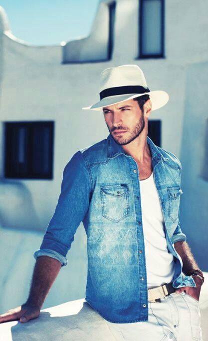 L'accessoire de l'été, le chapeau de paille #look #men #mode #tenue #chapeau #summer #vacances #holiday
