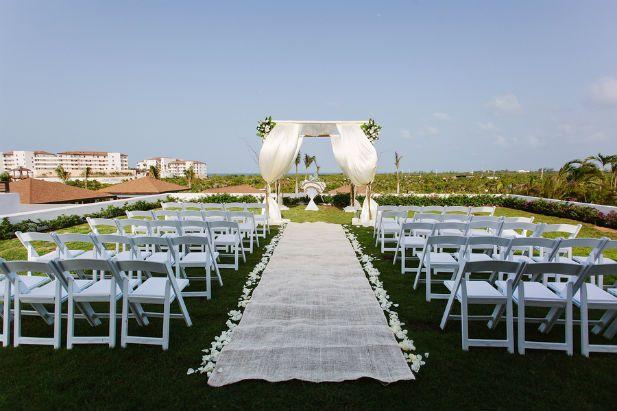 Destination Wedding at Secrets Playa Mujeres, MX (Photo by Melissa Mercado Photography)
