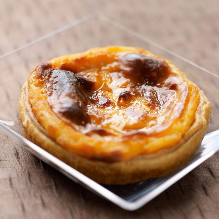 Découvrez la recette Pasteis de nata sur cuisineactuelle.fr.