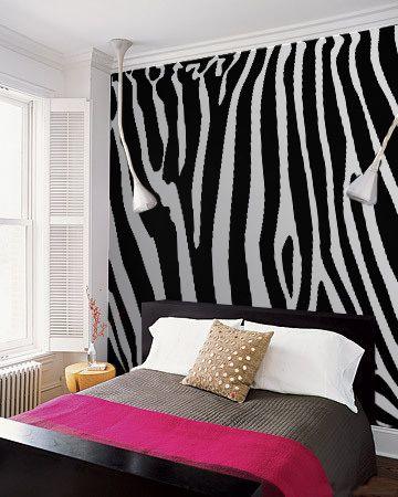 Everyone Loves Zebras 10 Striped Interior Musts Zebra Bedroom Designszebra