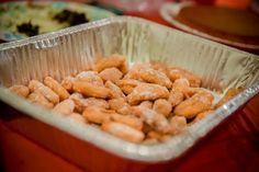 Ces Cocos wa N'tshede sont des gnocchis sucrés à base de farine et de Maïzena pour le moelleux. Un vrai délice!
