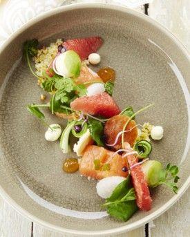 Gemarineerde zalm met roze pompelmoes - Recepten - Culinair - KnackWeekend.be