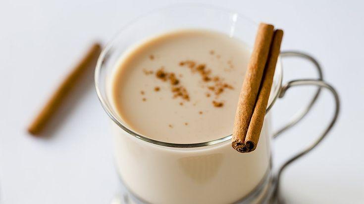 Куриное молоко — это не птичье молоко. Это напиток, старинный и зимнийКуриное молоко пьют вечерами после долгих прогулок, чтобы жар разливался по жилам и чтобы крепче спалось. Его готовят из молока со…