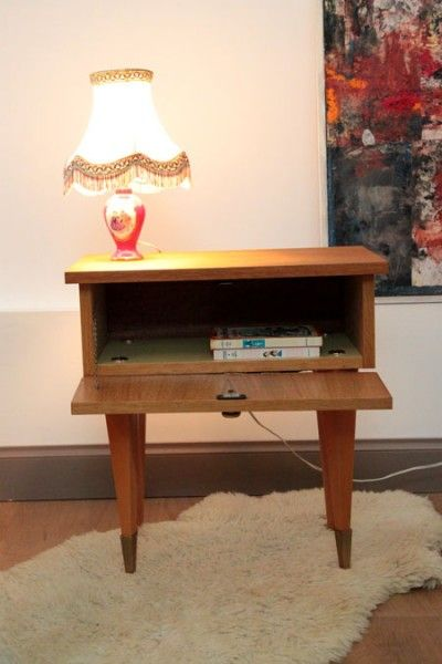 Table de chevet vintage meuble ancien d 39 appoint plaqu for Table de chevet bois clair