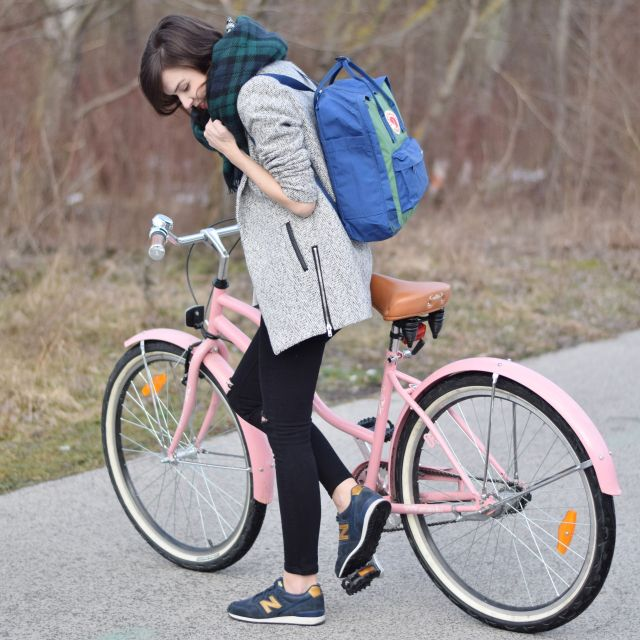 I´m ready for a bike trip with my pink bicycle, Kanken & New Balance sneakers. more on my blog: fresshion.com