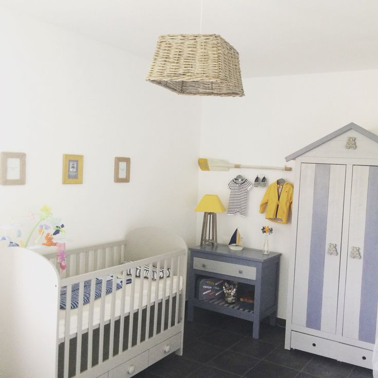 Chambre matelot petit garçon, armoire Fly repeinte , déco maison du monde  Du gris et du jaune pour changer du bleu classique