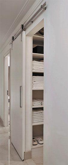11 soluções para espaços de medidas enxutas - Casa armario porta de correr