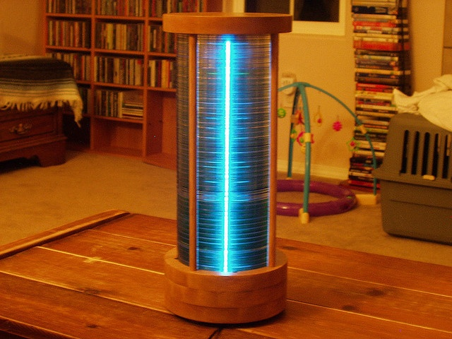 CD Stack Lamp by iamthechad. Here is the link to the DIY by lifehacker http://tinyurl.com/44yneee  #CD_Stack_Lamp #lifehacker #iamthechad