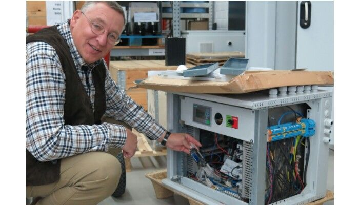 Solar Storage Technology Upgraded By German Inventor --- Wolfram Walter and his Sonnenspeicher solar storage system from pri the world © Peter Thomson