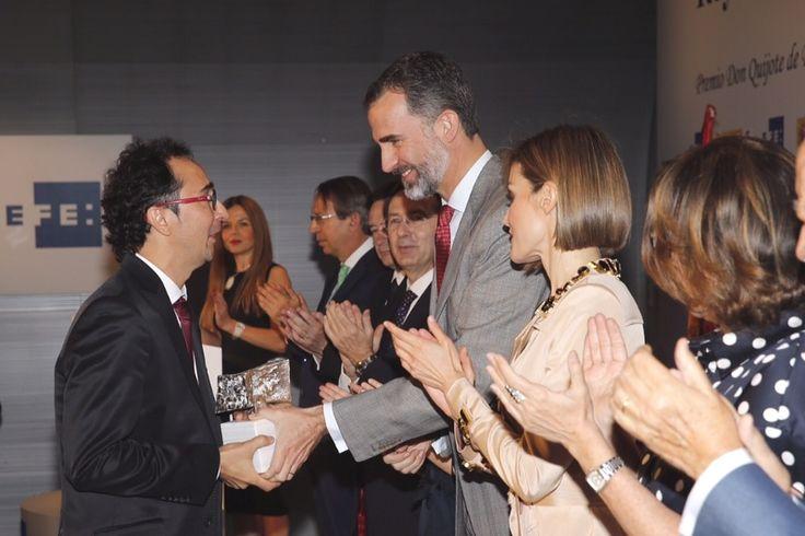 Don Felipe y Doña Letizia entregan el XXXII Premio Internacional de Periodismo Rey de España a Domingos Peixoto, de Brasil Casa del Lector. Madrid, 07.05.2015