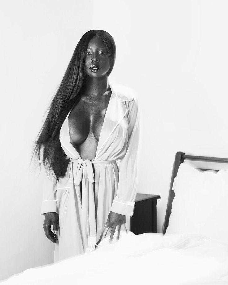 Jessica Mour - Bellazon
