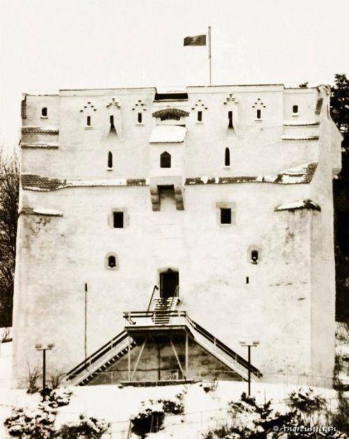 Turnul Alb, Brasov    Foto: Andrei Iulian    Surprising Romania - Împreună promovăm frumusețile României!