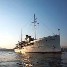 Boats for sale Portugal, Used boat sales, Superyachts For Sale Legendary Great Lakes Steamship SS DELPHINE - Apollo Duck