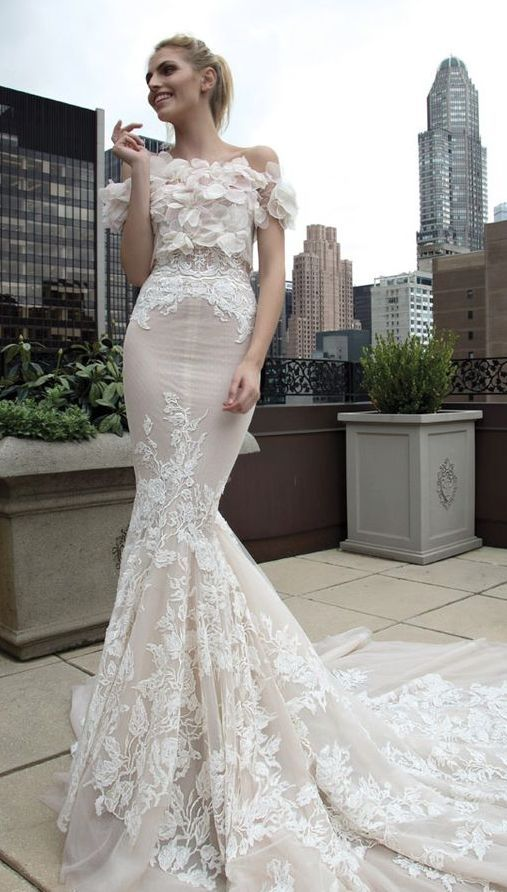 Wedding Dress: Inbal Dror