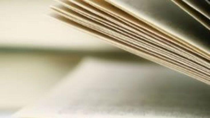 Lirtuel, la plateforme de prêt numérique du réseau de lecture publique de la Fédération Wallonie-Bruxelles, sera officiellement lancé lundi à la Foire du livre de Bruxelles. Impliquant la participation de 350 bibliothèques publiques francophones, la plateforme a été présentée en avant-première mercredi à Waterloo en présence de la ministre de l'Education et de la Culture, Joelle Milquet. Lirtuel permettra aux lecteurs affiliés dans les bibliothèques publiques de la Fédération ...